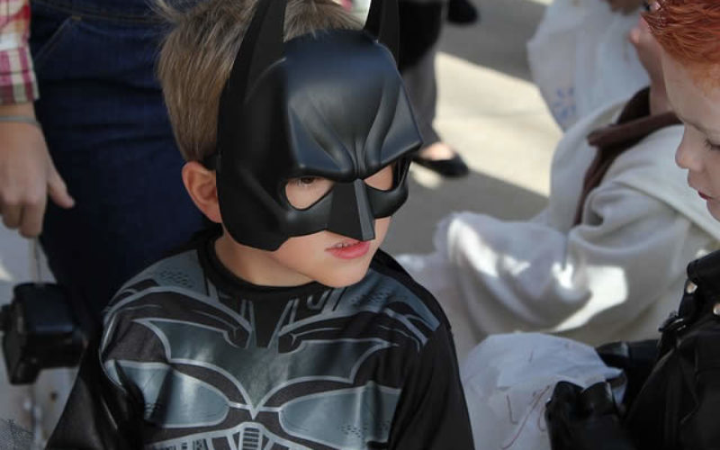7 Tips For A Safe & Sane Halloween