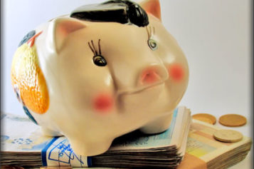 5 Reasons Why You Aren't Saving Money (And What To Do About It)
