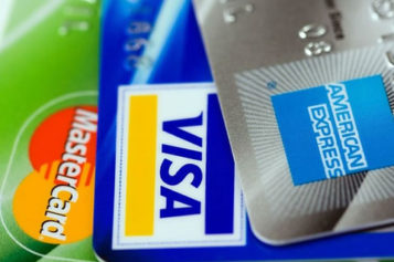 The Pros and Cons of Credit Cards and How to Use Them Wisely