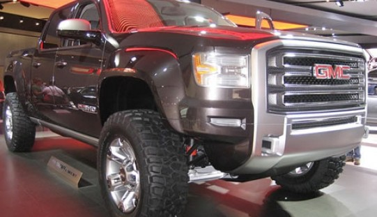 6 Sure-Fire Ways to Save Money on Your Next Truck Purchase