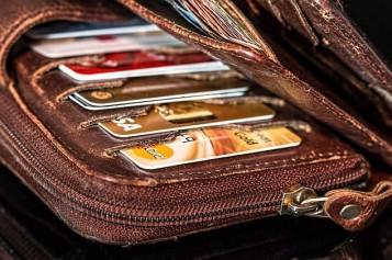 <span>Weekly Tip Feb 07:</span> Credit Card Use Decreasing?