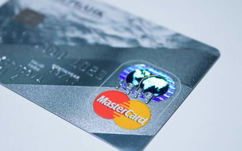 A Little Bit of Credit Card Maneuvering Can Save You a Lot of Money Abroad