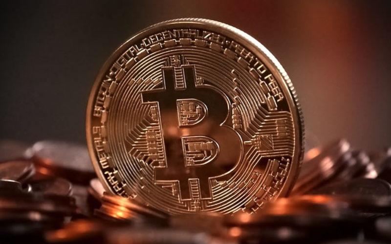 PayPal vs BitCoin: Virtual Money Smackdown