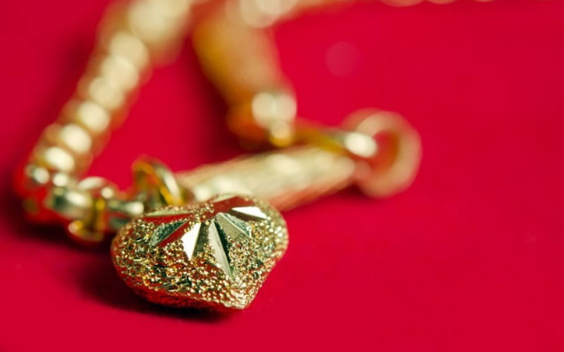How to Sell Your Gold Jewelry to Gold Buyers