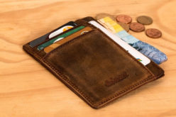 Cash on Hand: How the Way You Carry Money Can Affect Your Spending