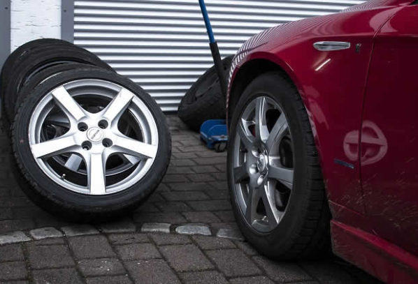 Need Car Parts but Don't Want to Wreck Your Budget? 4 Reasons to Buy Used