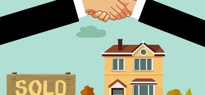 About to Buy a House? Step-by-Step Guide for Staying Financially Healthy