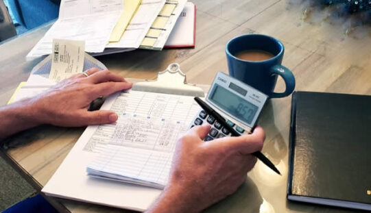 How to Create a Realistic Single Income Family Budget