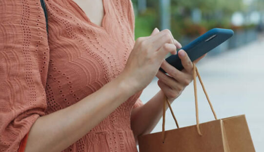 How to Be a Frugal Online Shopper
