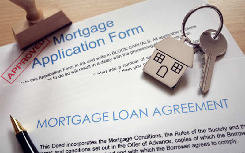 What to Know When Applying for a Homeowner's Loan